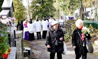 Dzień Zaduszny na Cmentarzu Janowskim