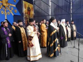 Modlitwa ekumeniczna na lwowskim majdanie 19.02.2014